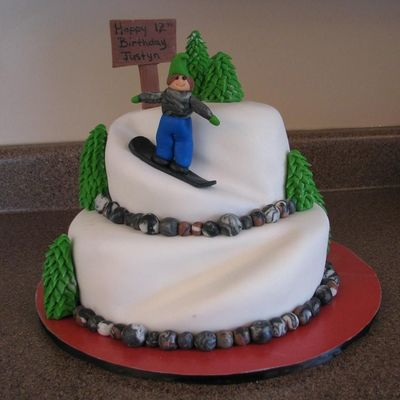 Justyn's Snowboarding Cake on Cake Central