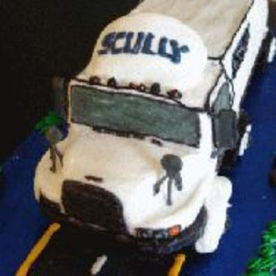Tractor trailer Cake Decorating Photos