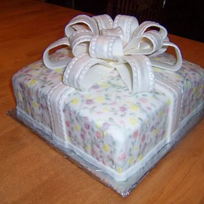 Present Cake With Fondant Bow on Cake Central