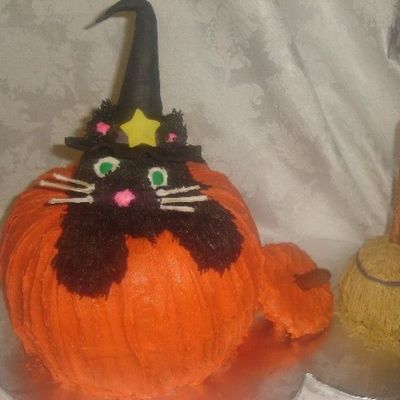 Witch Kitty on Cake Central