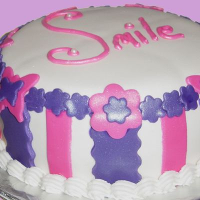Everyone Can Use A Smile on Cake Central