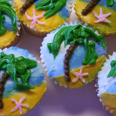 Luau Cupcakes With Palm Tree & Beach Scene