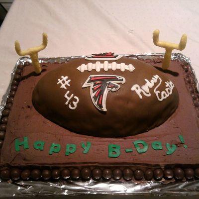 400x400_498633H3hy_falcon-footballwhopper-cake.jpg
