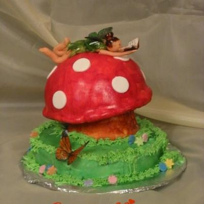 The Littel Fairy Who Likes To Read...... on Cake Central