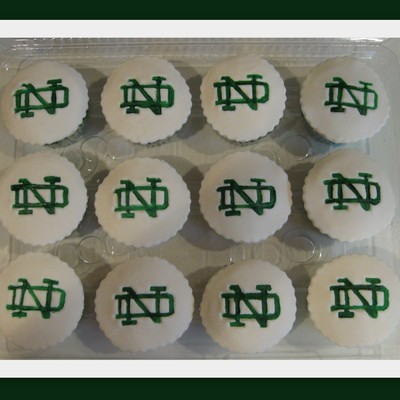 Notre Dame Cupcakes