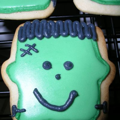 Frankenstein Cookies on Cake Central