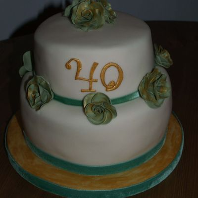 Green And Gold 40Th Birthday Cake on Cake Central