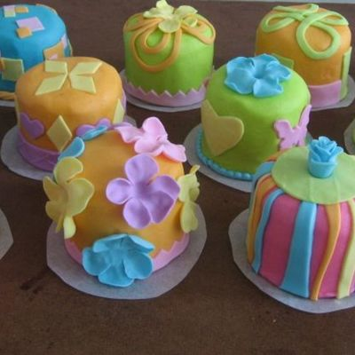 Georgia's Mini Birthday Cakes