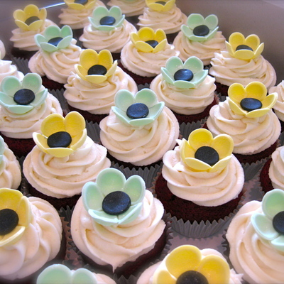 Button Flower Cupcakes In Mint Green And Yellow.