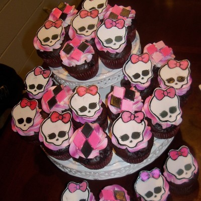 Monster High Cup Cakes