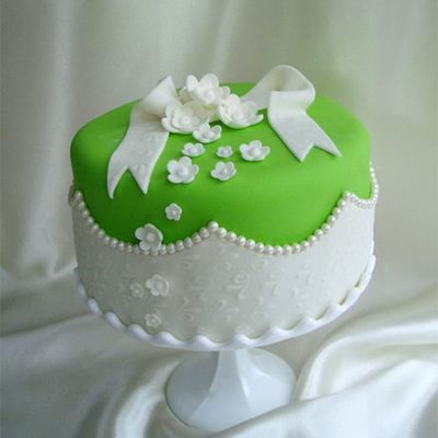 Lime Green With Pearls on Cake Central