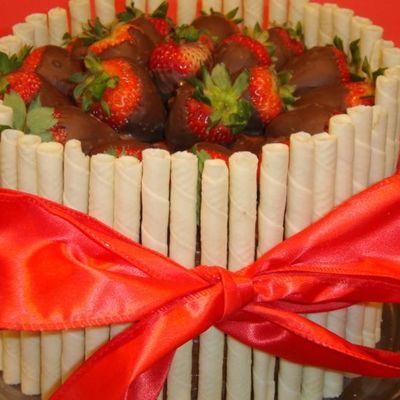 Pirouette Cake With Chocolate Covered Strawberries