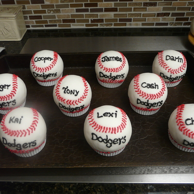 Baseball Rice Krispie Treats!!