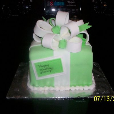 Present Birthday Cake With Bow on Cake Central
