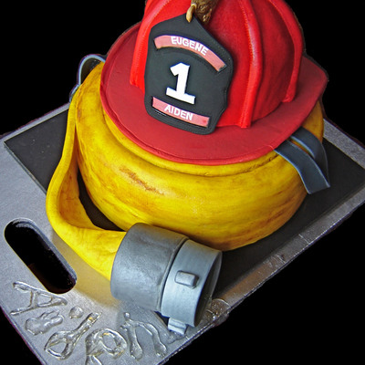 Fire Helmet on Cake Central