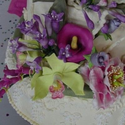 Stacy: Contemporary Wedding Cake on Cake Central
