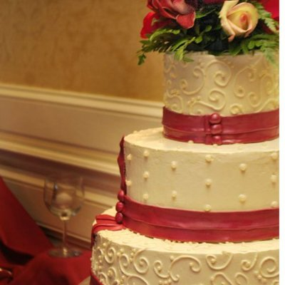 Pleated Band Wedding Cake