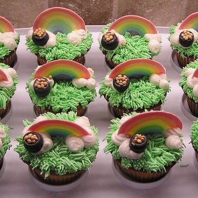 Shamrock And Pot Of Gold Cupcakes