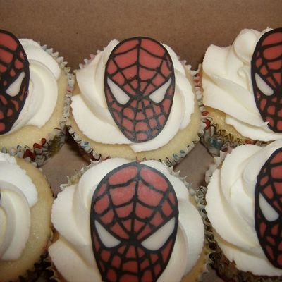 Candy Melt Spiderman Cupcakes