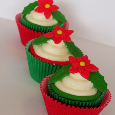 Poinsettia Cupcakes on Cake Central
