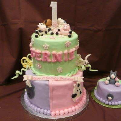 1St Birthday Girl Barnyard Cake