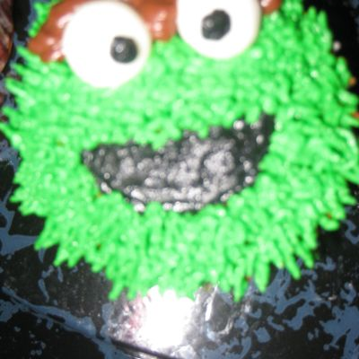 Oscar The Grouch Cupcake!