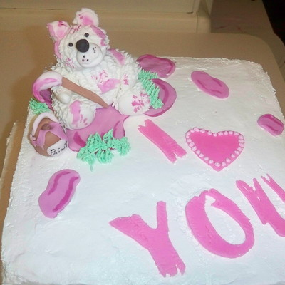 Valentine's Painter Bear on Cake Central