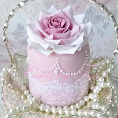 Tea Rose, Mini Cake Pink With Lace
