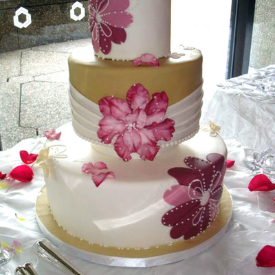 Floral Applique Inspired Wedding Cake!