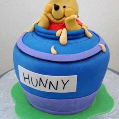 Wnnie The Pooh Birthday Cake!