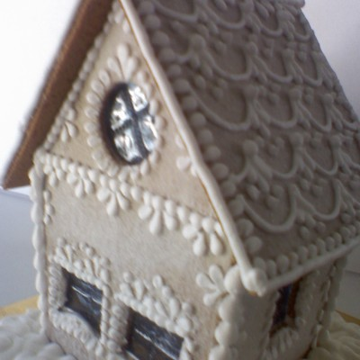 White And Frosty Gingerbread House