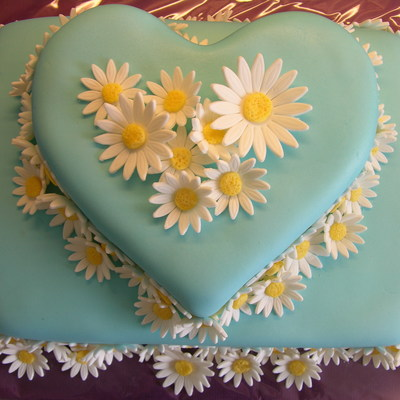 Blue Cake With Marguerites