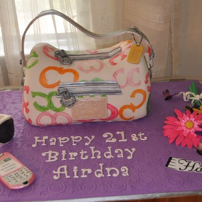 Purse Cake With Accesories