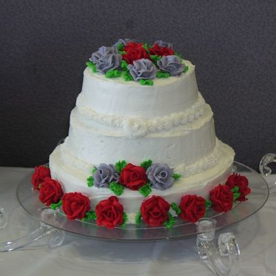 First Tier Cake Red And Grey Roses.jpg