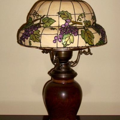 Tiffany Lamp-Shade With Grapes And Vines