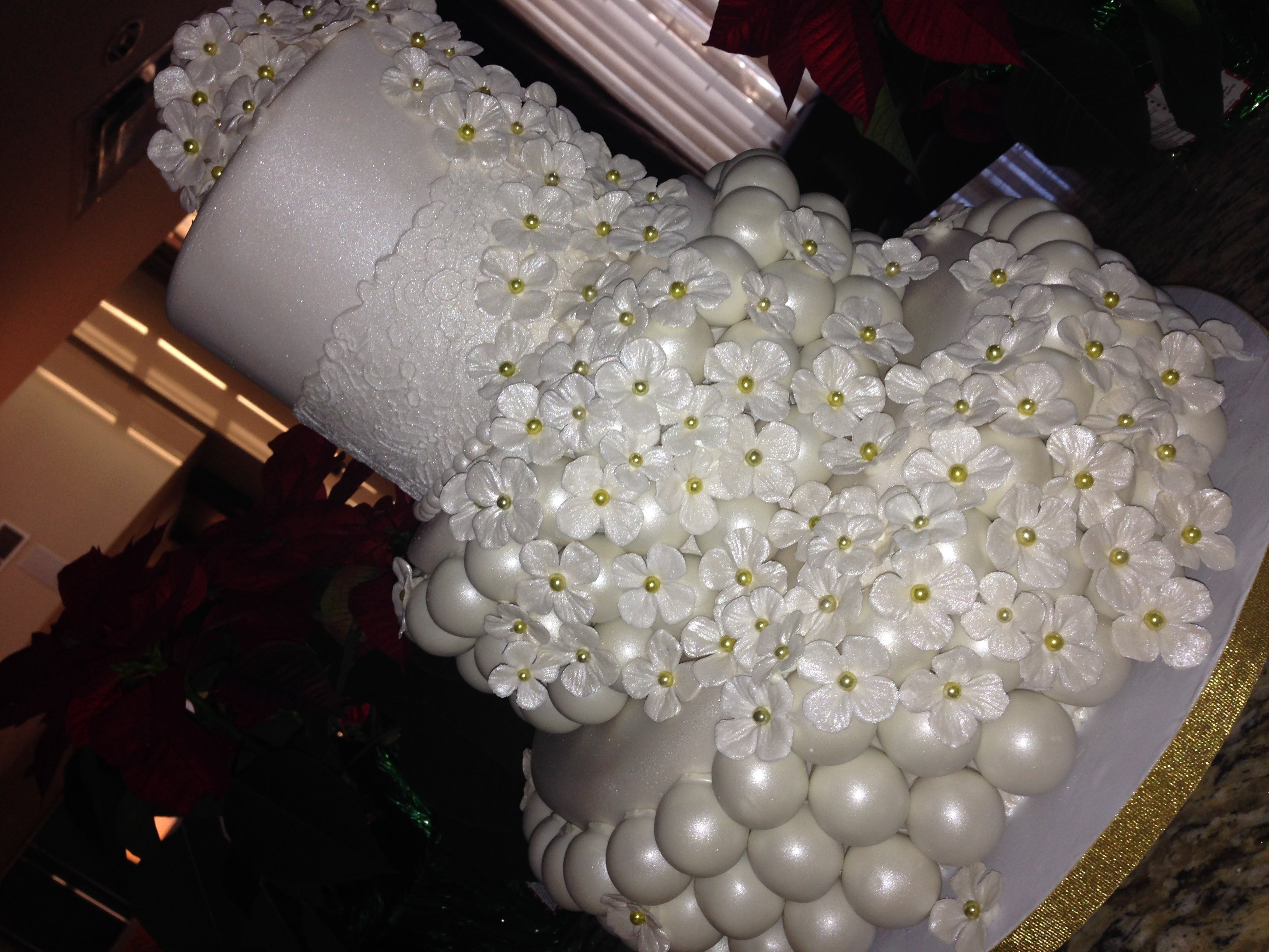 Wedding Cake Made Of Balls Ball With Satellite Cakes Cakecentral