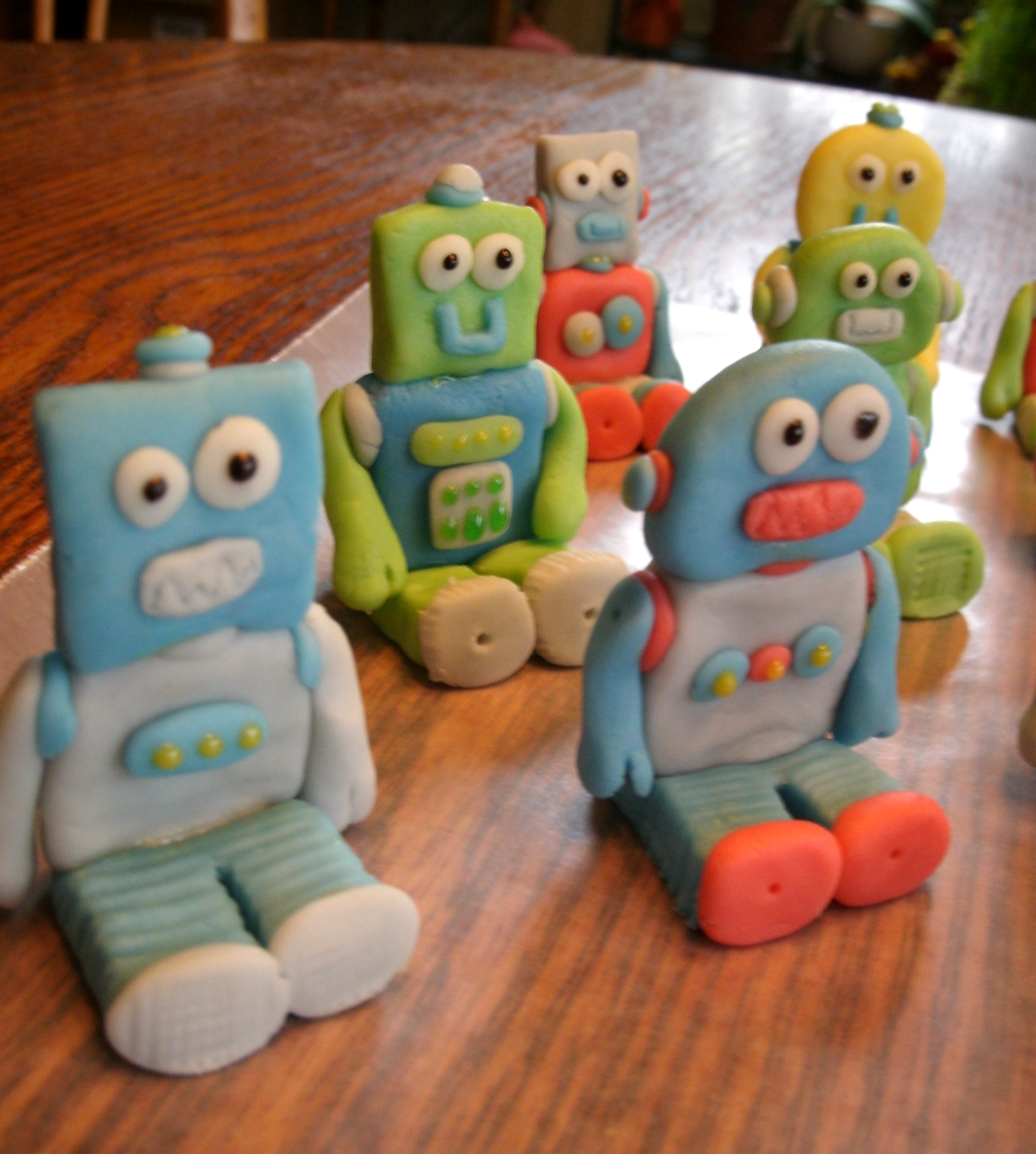 Edible Robot Cake Toppers