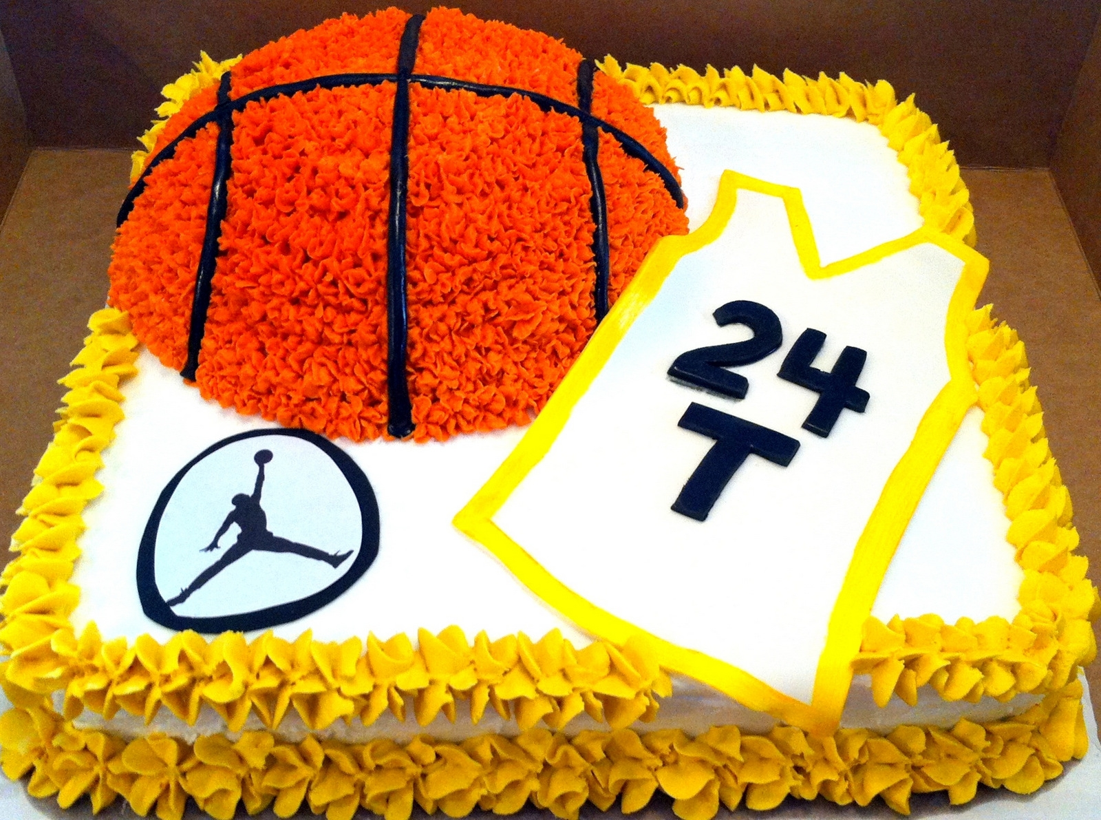 Decorated Birthday Cakes Basketball Themed Birthday Cake Cakecentralcom