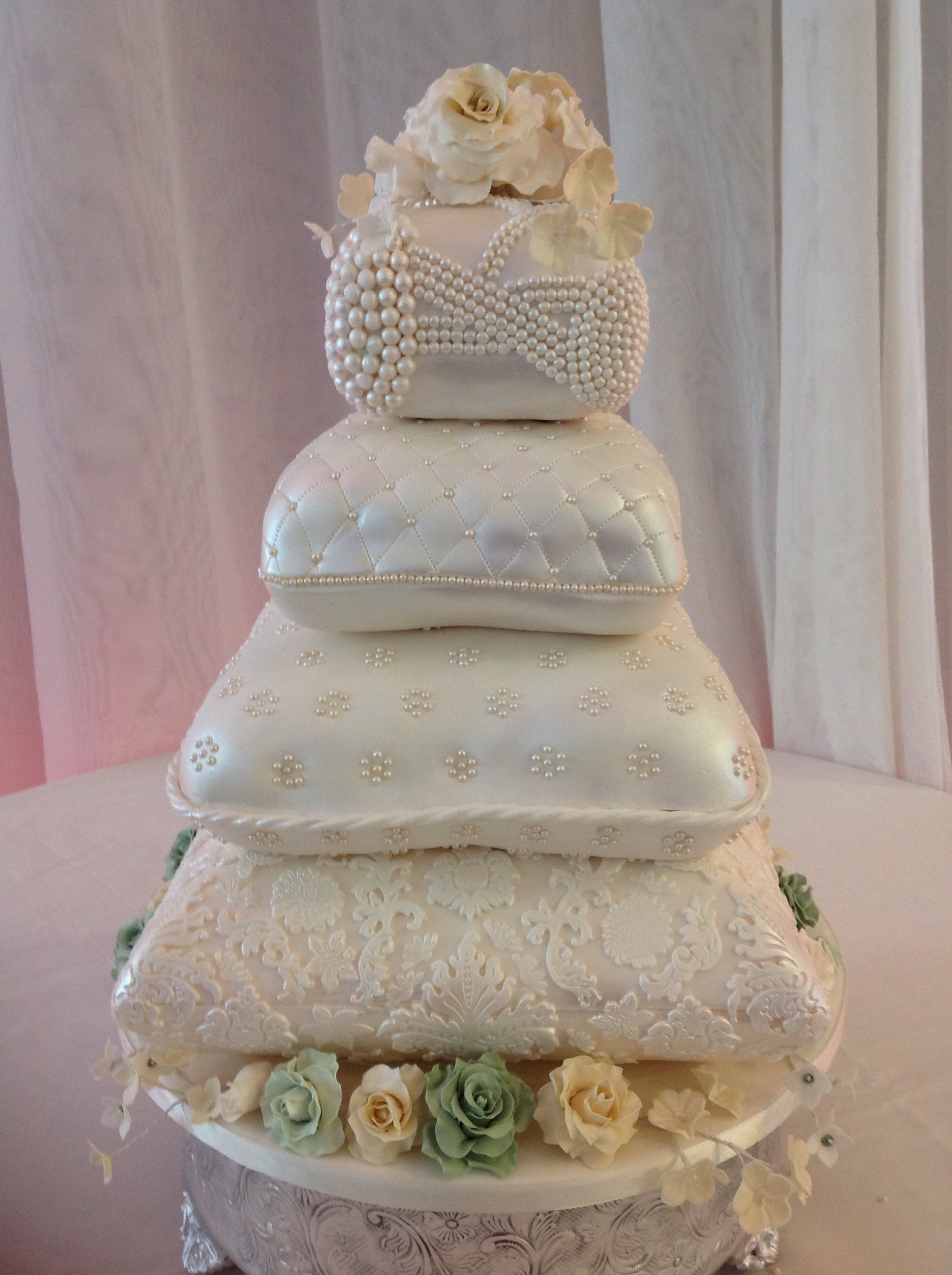 pillow traditional wedding cakes pillow wedding cake cakecentral 18513