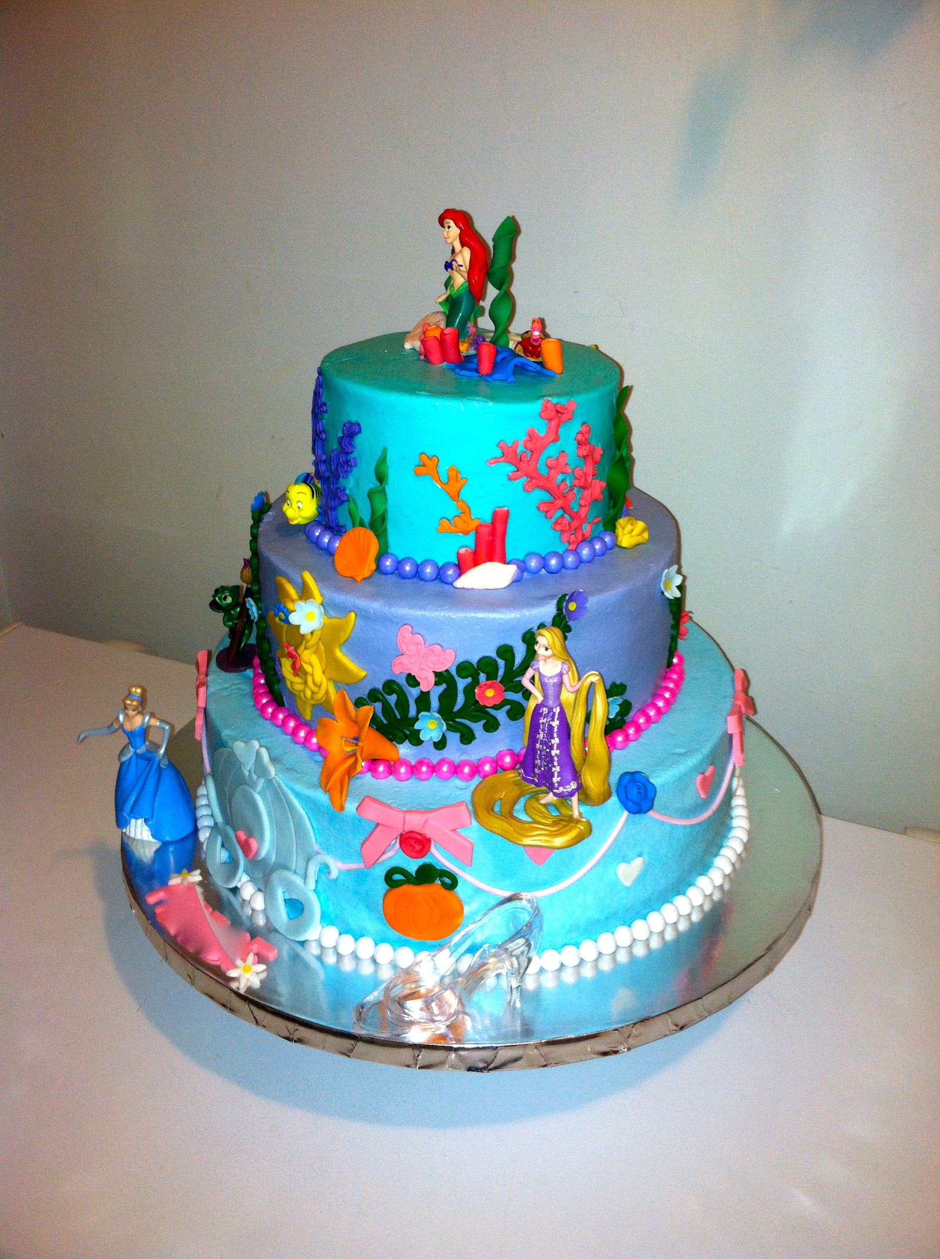 Disney Cake Decor : Disney Princess Cake Arial Rapunzel And Cinderella Bc ...