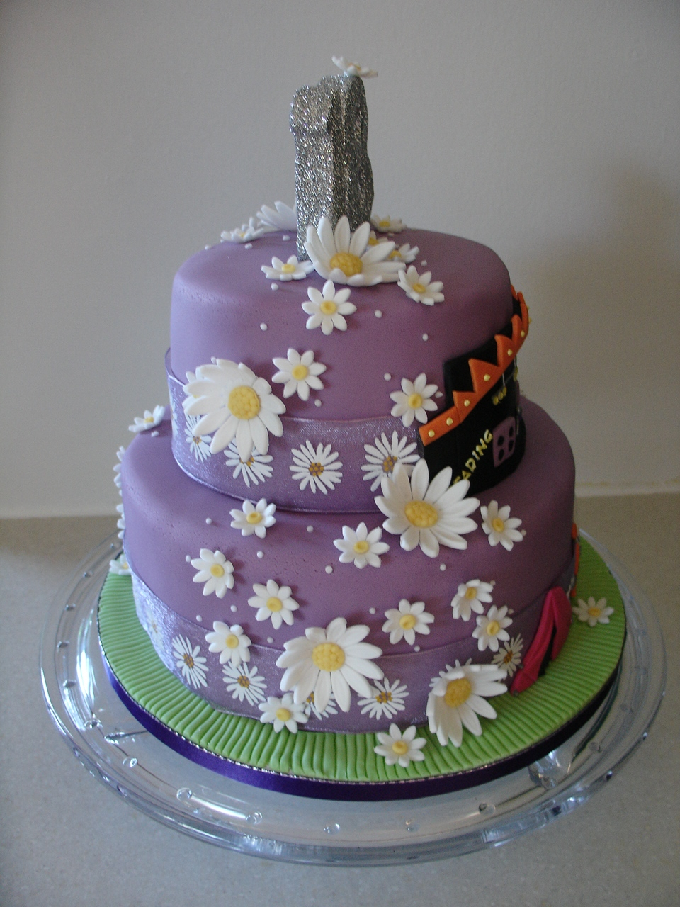 Music Festival 18th Birthday Fondant Cake Cakecentral Com