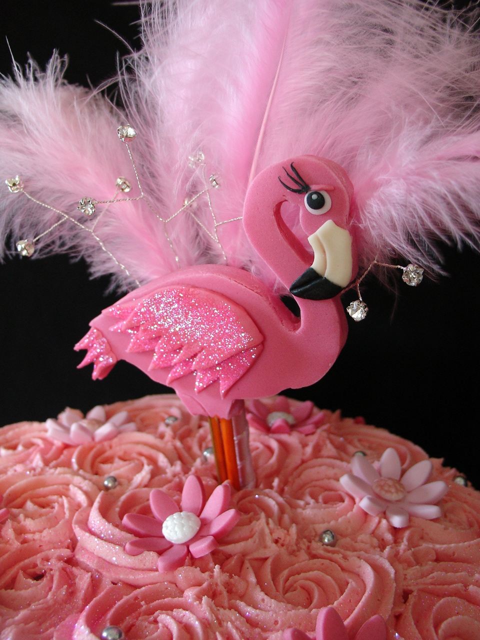 Flamingo Buttercream Cake With Cupcakes Cakecentral Com