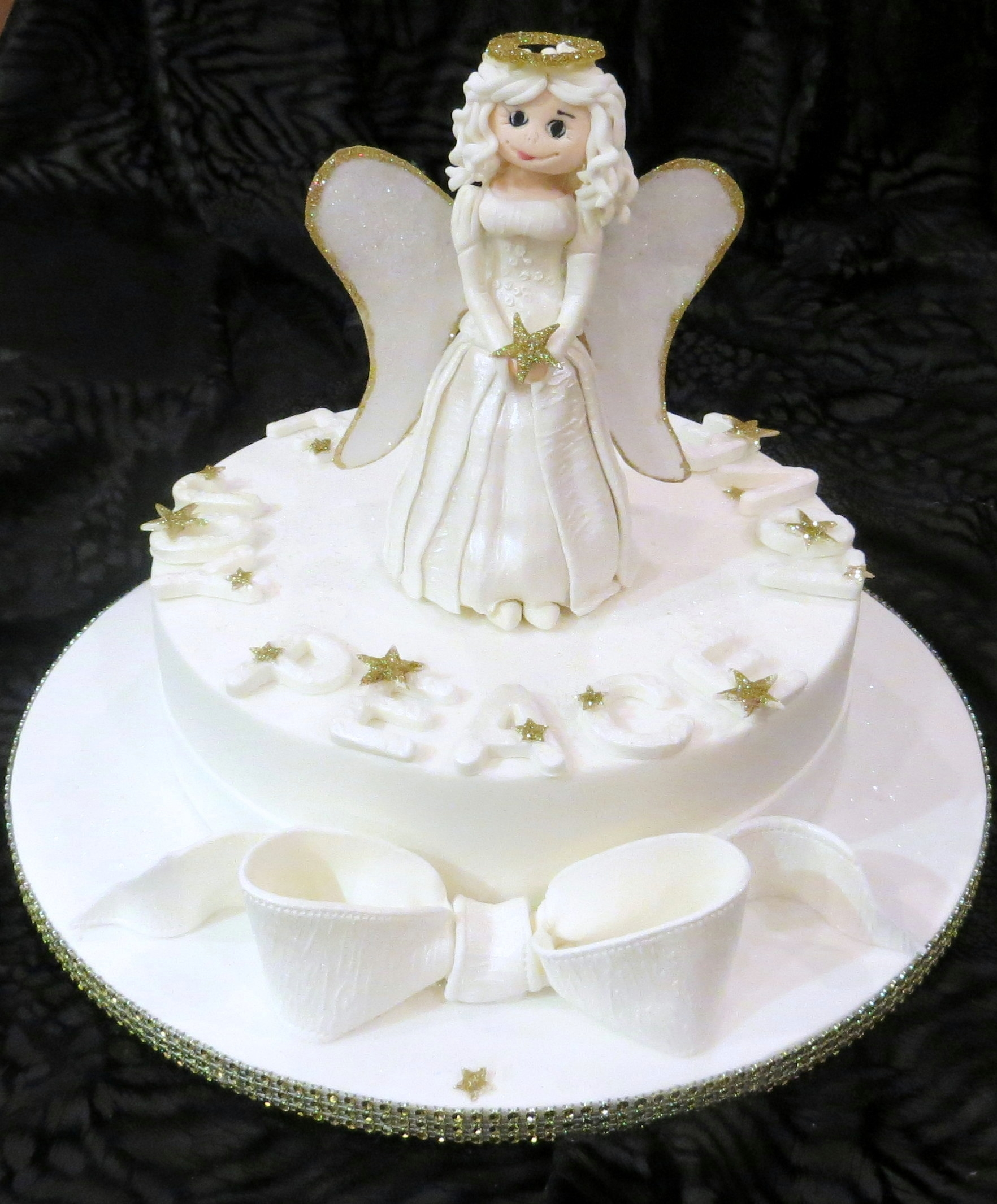 Cake Art Instant Mix Modelling Paste : Christmas Cake With Edible Angel Made From Modelling Paste ...