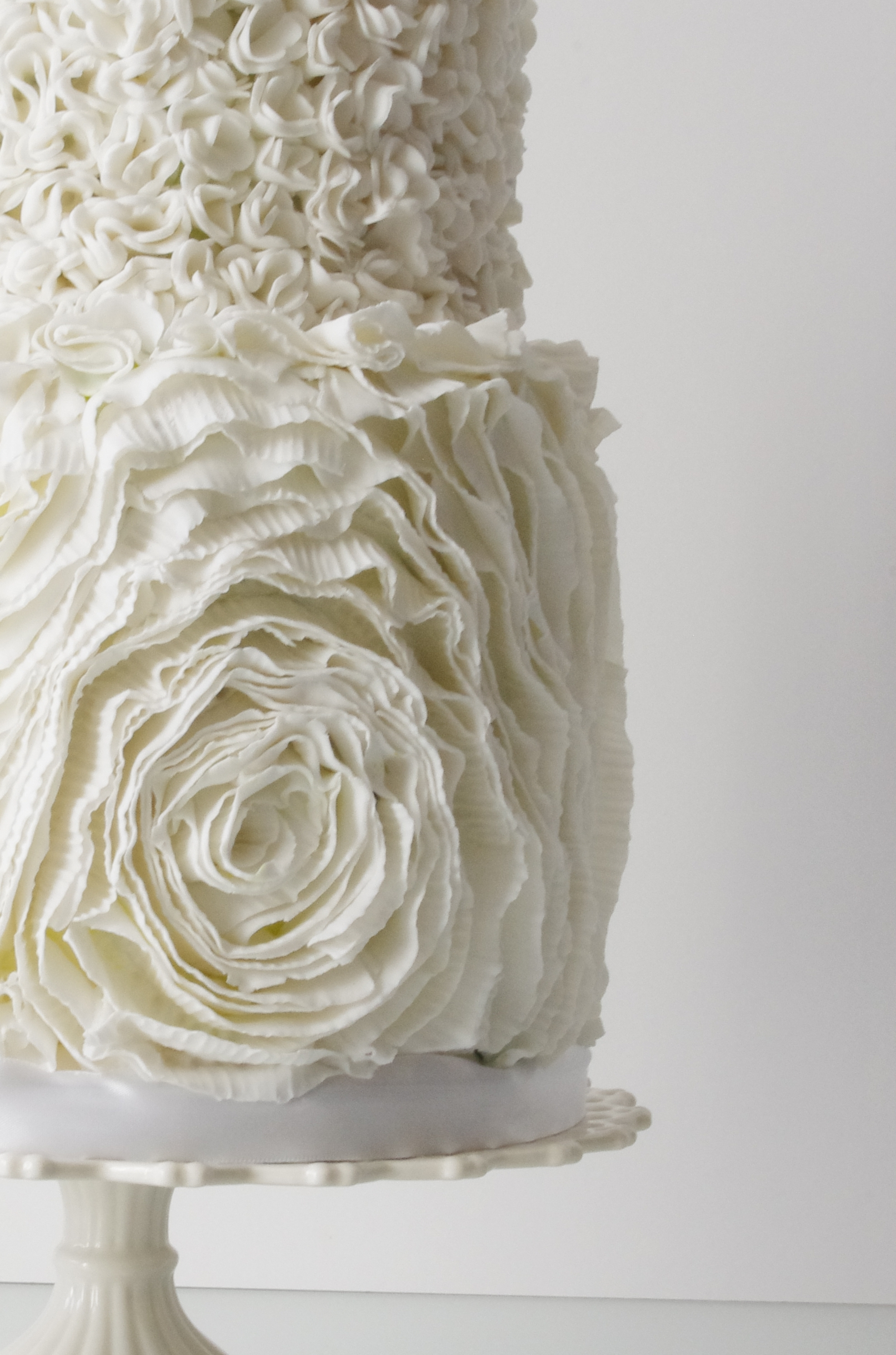 how to make ruffle roses on wedding cake ruffle and pompom wedding cake cakecentral 15987