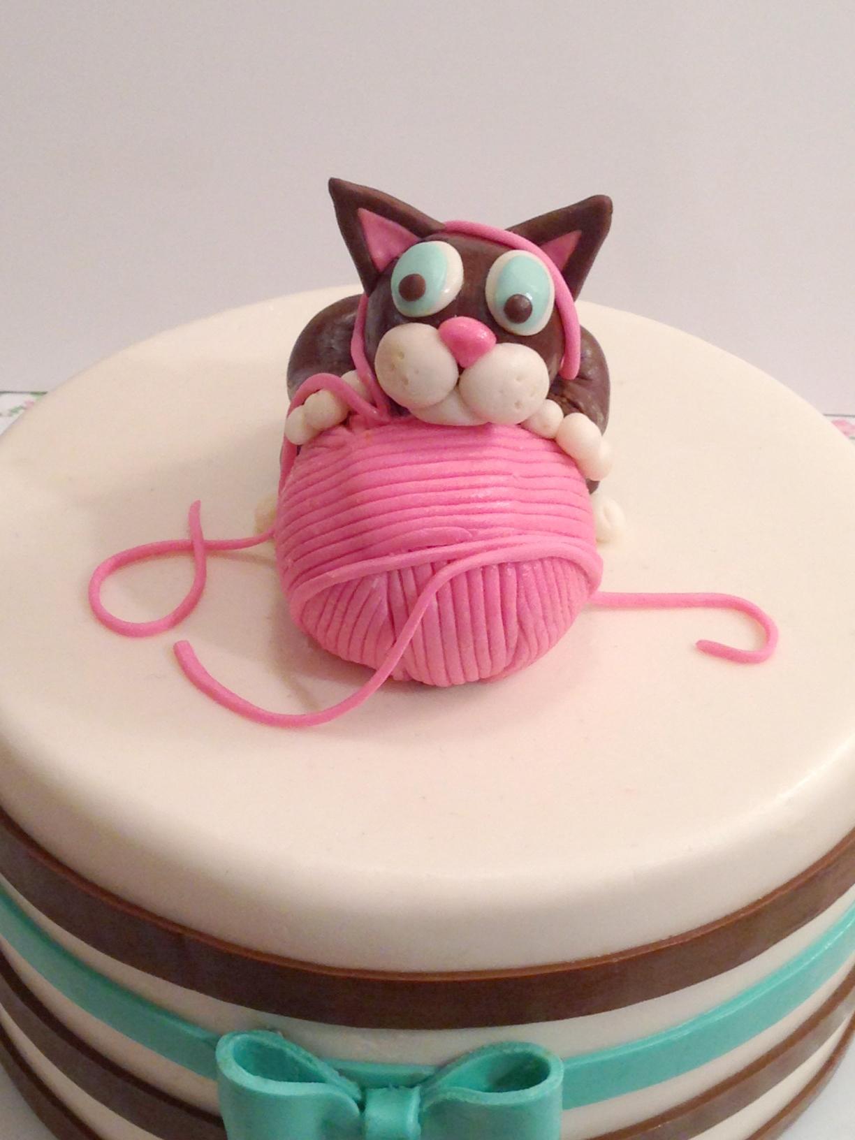 Kitten Birthday Cake CakeCentralcom