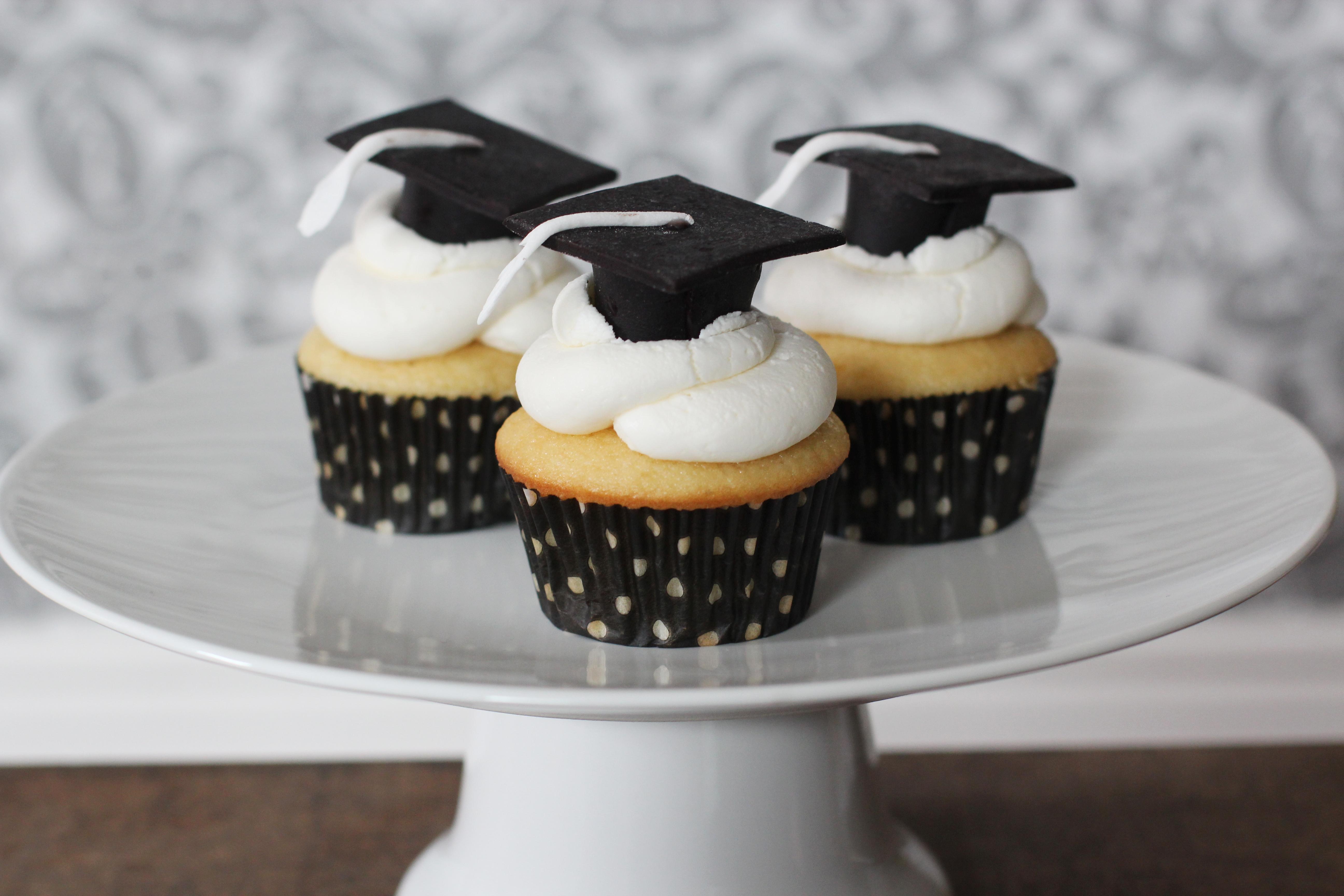 Graduation Cupcakes Cakecentral Com