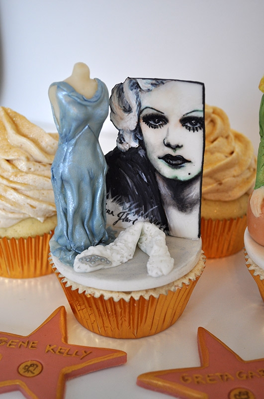 Cake Decorating Sculpting Figures : Hollywood Theme Cupcakes For Cake Masters Magazine ...