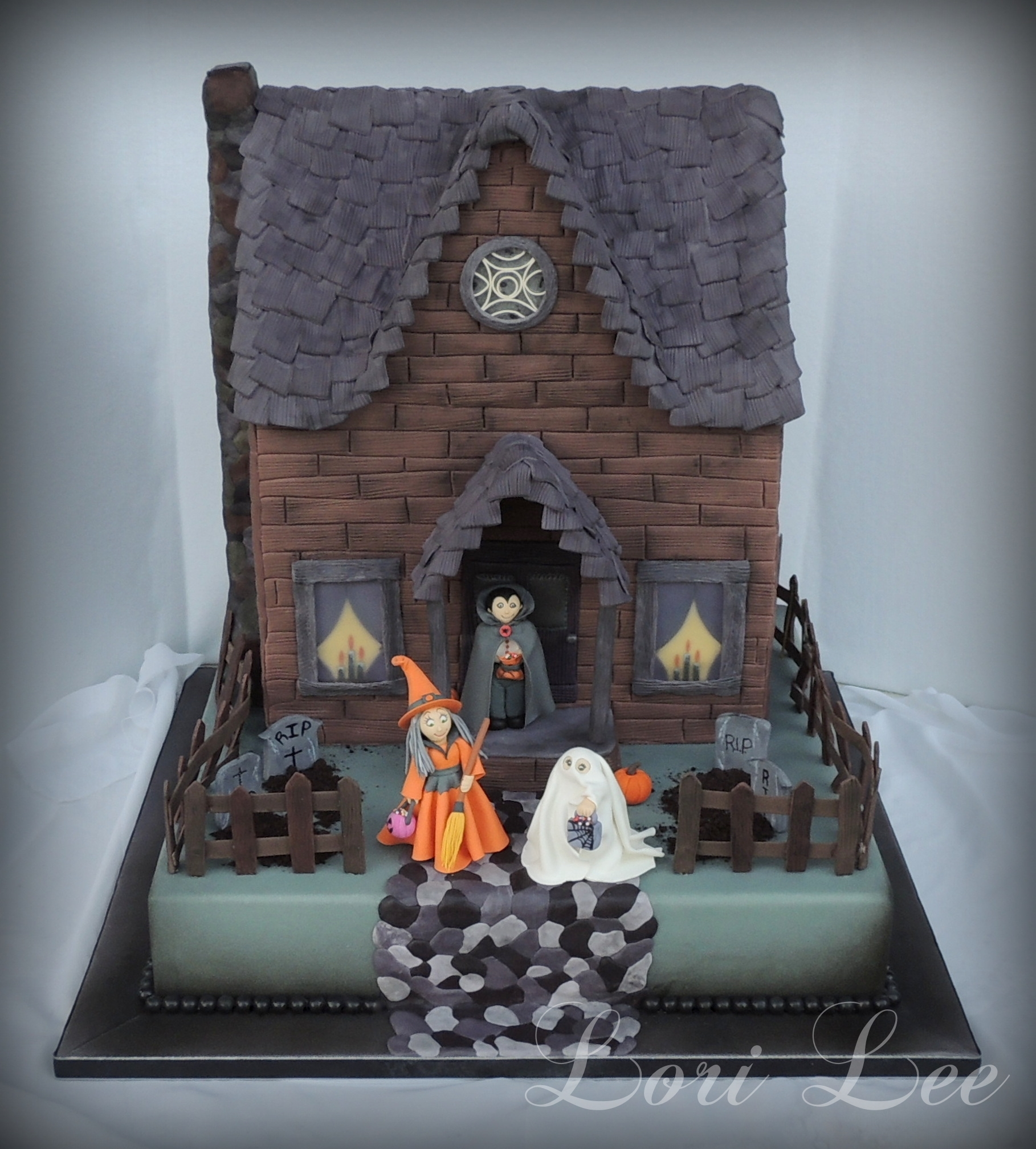 Halloween House Decorations: Halloween Haunted House