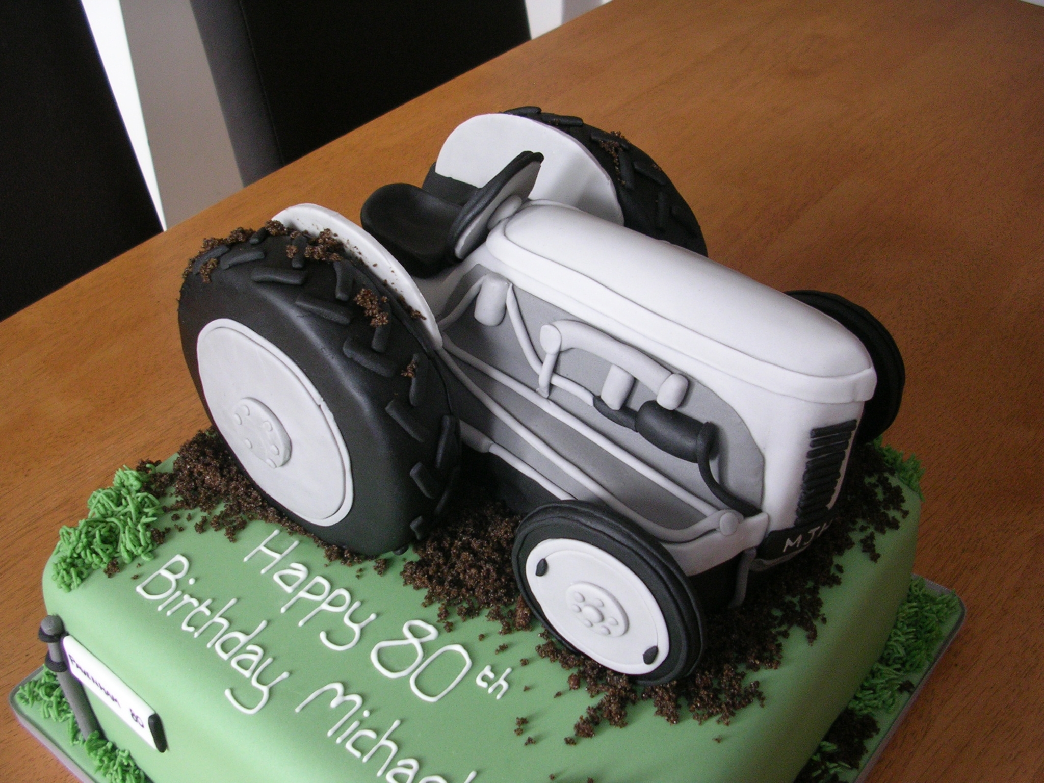 Tractor Cakes Ford