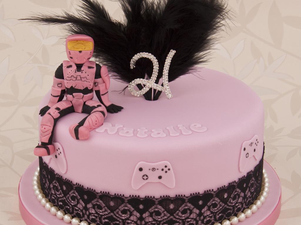 Pink Halo Master Chief Cake CakeCentralcom